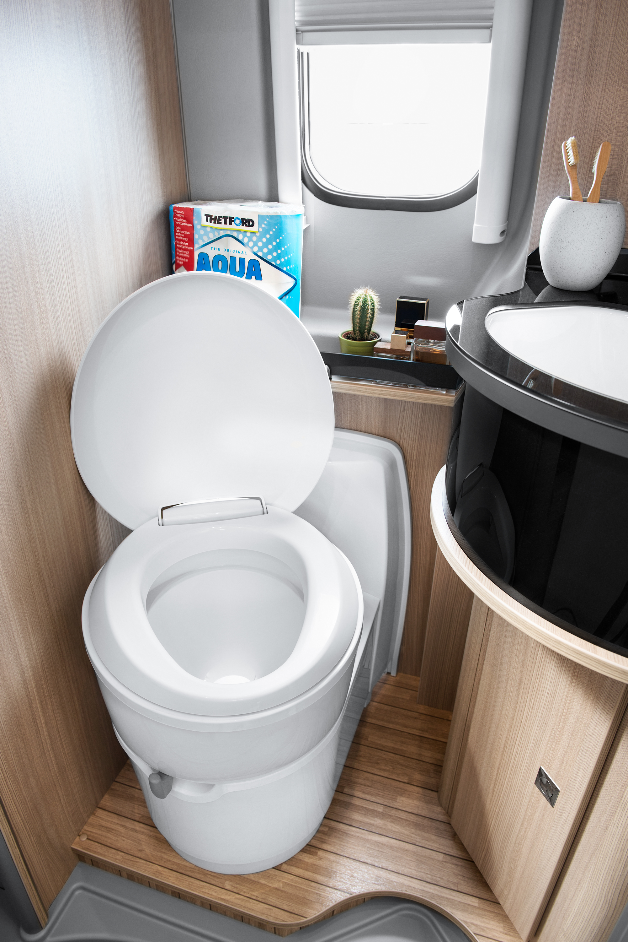 C220 Cassette Toilet Space Saving Toilet That Rotates